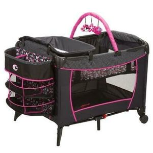 MINNIE MOUSE PLAY YARD